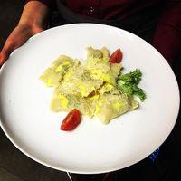 Равиоли с моцареллой и шпинатом
