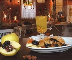 Штрудель солодкий. Чорнослив, яблуко, курага та грецький горіх (сезонний)