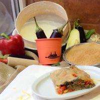 Штрудель солоний. Баклажановий з болгарським перцем, твердим сиром та трішки часнику (сезонний)