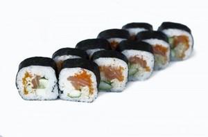 Ролл Футомаки с копченым лососем