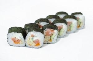Ролл Футомаки с лососем