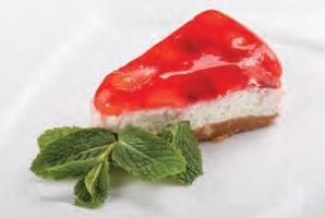 Десерт творожный с сезонными фруктами